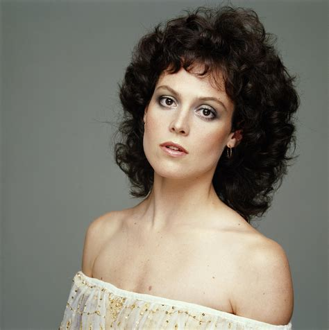 80s Hairstyles Names by Sigourney Weaver In