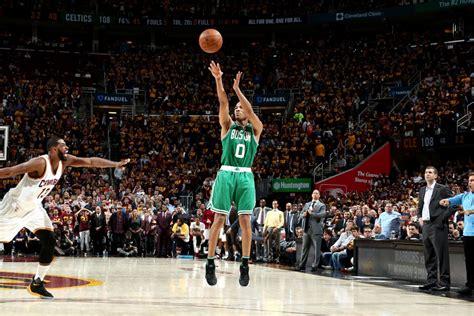 WATCH: Avery Bradley Hits Game-Winning Three Against Cavaliers