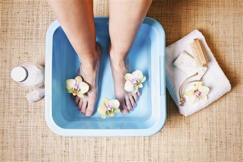What Causes Stinky Feet And How To Get Rid Of The Odor Easily