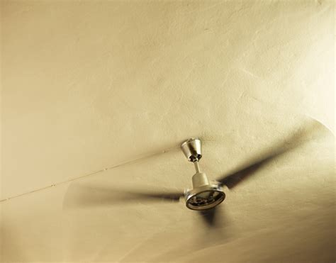 how do you measure a ceiling fan how to pick the right ceiling fan size