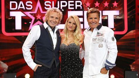 """Vier acts beförderte die jury bereits während der castings. """"Das Supertalent"""" 2012: Neue Jury, neue Talente und neues ..."""