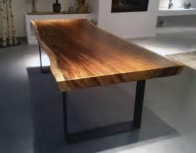 vernis pour table en bois les 25 meilleures id 233 es de la cat 233 gorie table basse bois massif sur table basse en