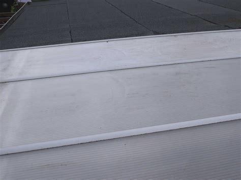 Ueberdachung Mit Polyester Wellbahn Selbst Bauen by Terrassen 252 Berdachung Selber Bauen Schritt F 252 R Schritt
