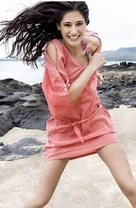 Celebclub: Rockstar' Actress Nargis Fakhri Resembles ...