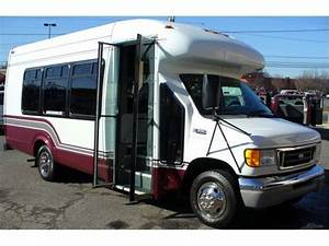 2003 Ford E350 239 - Ford Buses