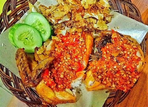 Lihat juga resep ayam geprek sambal matah enak lainnya. Ayam Gepuk Pak Gembus, Tomang - Lengkap: Menu terbaru, jam ...