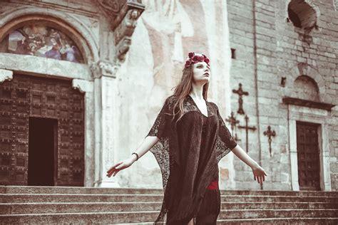 photography showcase heart  darkness