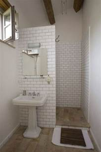 easy small bathroom design ideas best 25 simple bathroom ideas on simple bathroom makeover open bathrooms