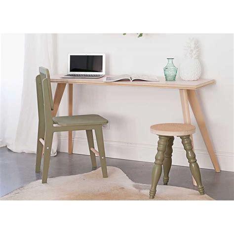 bureau bois scandinave console ou bureau en bois clair moderne et design flower