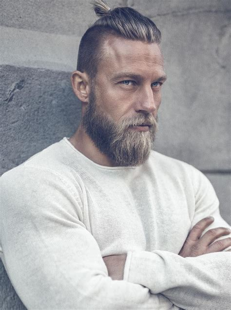 20 Retro Chic Viking Hairstyles For Men Hairstyle Camp ...