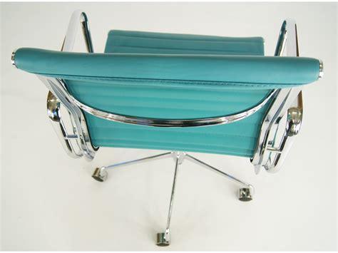 chaise eames bleu chaise eames alu ea117 bleu