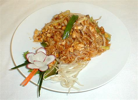chicken pad thai recipe chicken pad thai recipe dishmaps