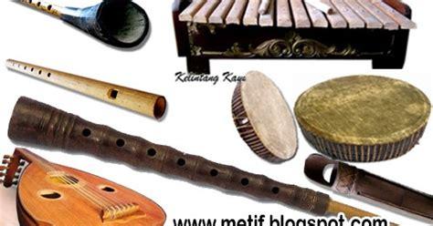 Musik ansambel memiliki kekuatan pada harmonisasi bunyi, yang dihasilkan dari. Ciri dan Keunikan Alat Musik Tradisional Provinsi Jambi - Media Edukatif
