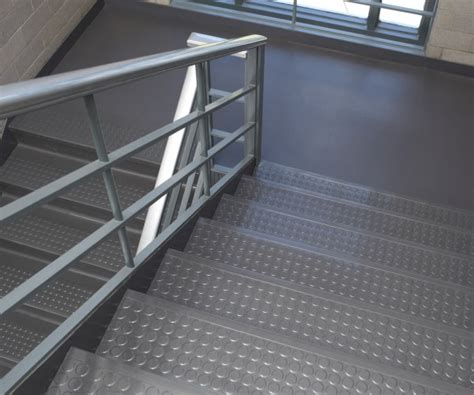 raised circle roppe rubber stair treads stair grip treads