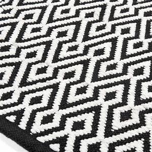 Tapis Scandinave Noir Et Blanc : tapis poils courts ethnico maisons du monde exotique ~ Melissatoandfro.com Idées de Décoration