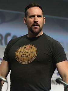 Travis Willingham - Wikipedia