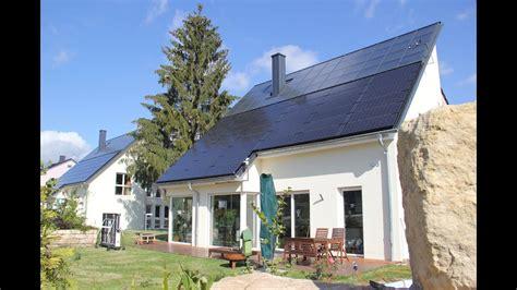 Energieautarke Haeuser Aus Ziegelmauerwerk by Zwei Energieautarke H 228 User Entstehen In Freiberg