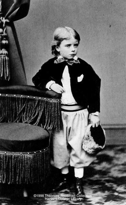 40 Fotografias Históricas de Famosos em Criança