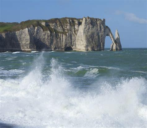 etretat chambres d hotes visiter etretat falaises rando plage impressionnisme