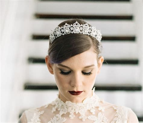 Bridal Accessories by 10 Bridal Hair Accessories On Etsy Brides