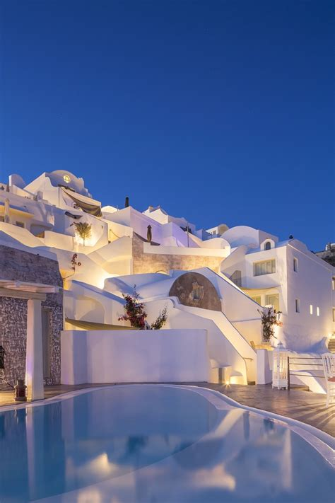 andronis boutique hotel in santorini greece 03 travliving