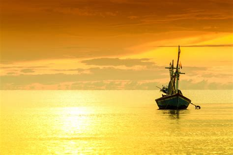 Fishing Boat Images Hd by Fishing Boat Hd Wallpaper Background Image 2048x1365