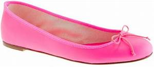 Jew Classic Leather Ballet Flats in Pink neon pink