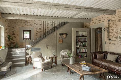 canapé de charme dans le salon de la maison d 39 hôtes de charme 39 la bergerie