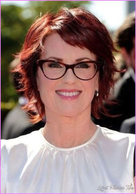 Hairstyles For 50s With Glasses by Hairstyles For 50 With Glasses