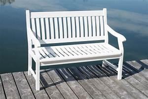 Gartenbank Weiß Wetterfest : gartenbank hemingway 2 sitzig fsc eukalyptus wei mit armlehne ~ Markanthonyermac.com Haus und Dekorationen