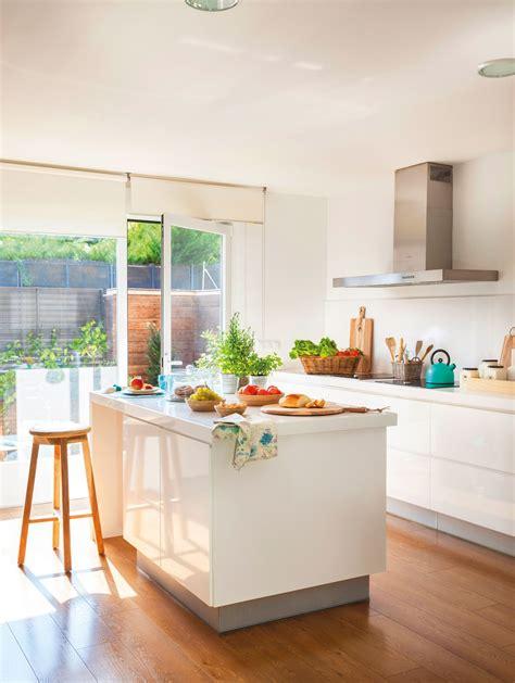 aliarse  la luz en  cocinas cocinas