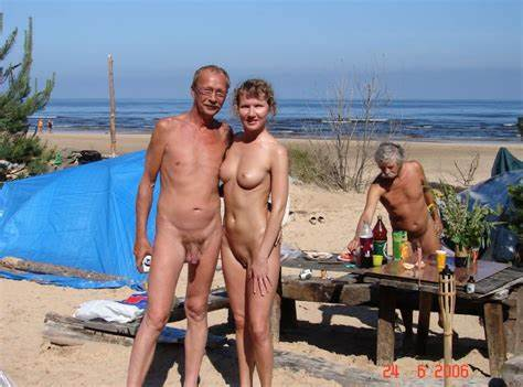Com Swingers Have A Fine Time
