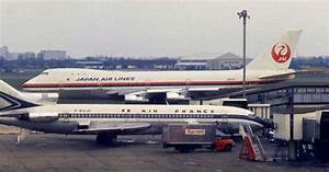 First Flights Of Boeing 747 And 727
