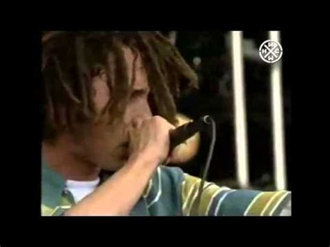 RAGE AGAINST THE MACHINE KILLING IN THE NAME OFFICIAL HD ...