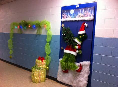 grinch door decorating contest entry office door
