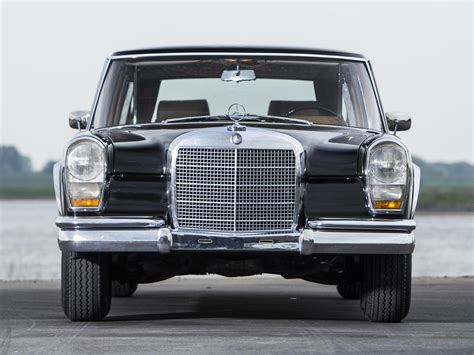Mercedes has always been at the top of luxury automobiles, and this 1975 pullman maybach limo exemplifies their long history of making fine cars. MERCEDES BENZ 600 Pullman (V100) - 1964, 1965, 1966, 1967 ...