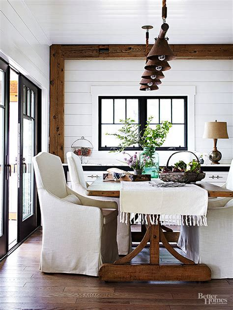 white rustic rooms