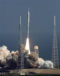 NASA's new moon rocket makes first test flight