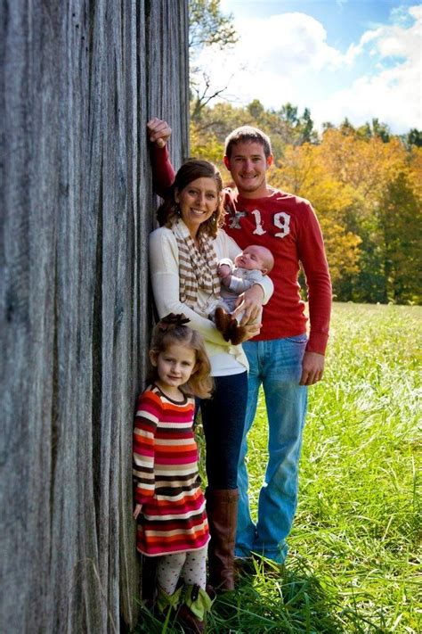 Familly Barn by Best 25 Barn Family Pictures Ideas On Barn