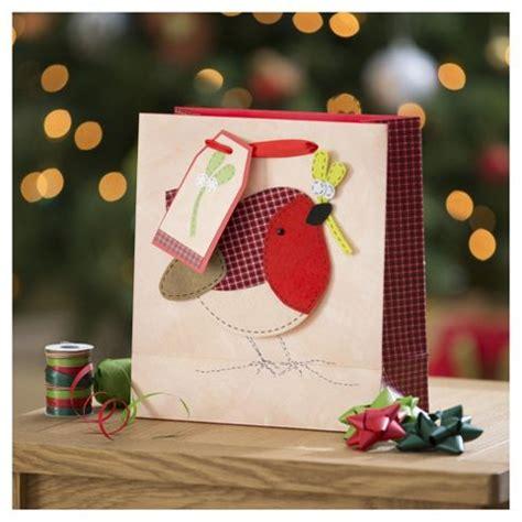 buy tesco robin christmas gift bag medium from our