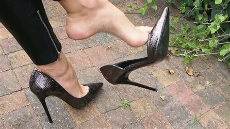 High Heels Milf And Huges Arches Dangling Feet9