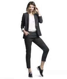 tailleur pantalon femme mariage pantalon tailleur femme stretch antitache et infroissable gris concept travel