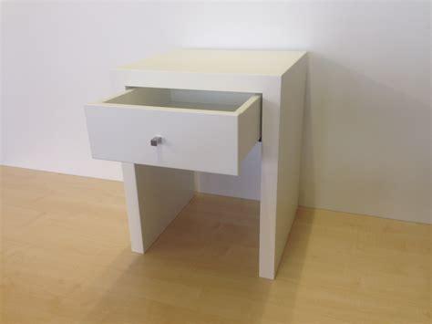 Kleiner Nachttisch Weiß by Nachttisch Beistelltisch Mit Schublade Lackiert Weiss