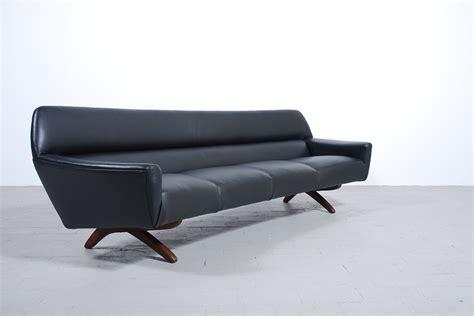 canapé danois canapé danois cuir noir et pieds acajou jasper