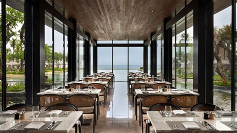 Enjoy a 'Brunchcation' at the luxurious beachfront resort ...
