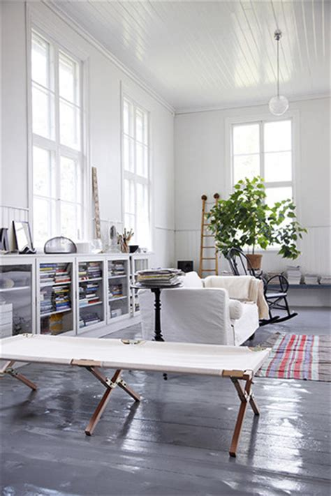 White Living Room Loveeee The Rug Would Love To Find One