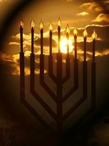 How To Light The Menorah And Hanukkah What Is Hanukkah The Jewish Holiday Explained What Is