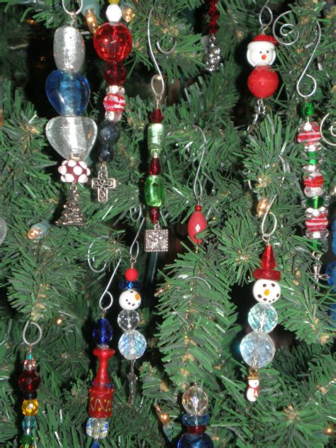 make christmas ornaments beaded ornaments crafty crafts