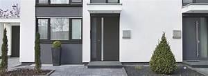 portes d39entrees et entrees la signature de votre maison With lovely entree exterieure maison contemporaine 1 une entree de maison