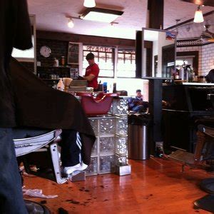 roosters mens grooming center    reviews